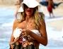 Valeria Marini ha lasciato la caotica Capitale per arrivare a Formentera