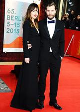 Dakota Johnson e Jamie Dornan bellissimi sul red carpet di '50 sfumature di grigio': le foto