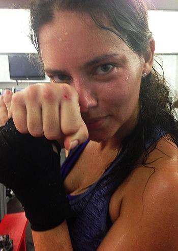 Adriana lima una sexy boxeur foto e gossip for Adriana lima marito