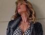 Alessia Marcuzzi scosciatissima mostra la sua magrezza seppur fashion sul blog