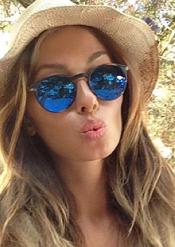 Cappello di paia occhiali specchiati ed un bacio da - Occhiali exess specchiati ...