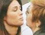Manuela Arcuri saluta la suocera mamma del suo Giovanni Di Gianfrancesco