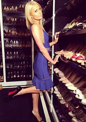 Guardaroba Di Paris Hilton.Resa Famosa Anche Dal Film The Bling Ring La Collezione Di