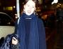 Look casual in blue per Aurora Ramazzotti che incontra la nonna Ineke
