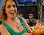 Il pubblico di 'Pomeriggio Cinque' ha regalato a Barbara D'Urso una torta per il suo 56esimo compleanno