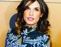 Elisabetta Canalis ha ostentato un abito bianco e blu con ricami creato da un vecchio amico: Roberto Cavalli