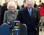 Primo passo verso i mezzi pubblici: Principe Carlo d'Inghilterra e Camilla Parker Bowles