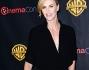 Charlize Theron bellissima in nero al Cinemacon: le foto
