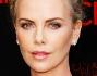 Charlize Theron sul red carpet per la prima uscita pubblica dopo la rottura-bis dall'ex compagno Sean Penn
