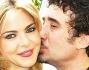 Federico Zampaglione bacia teneramente sulla guancia Claudia Gerini