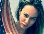 Cristel Carrisi con il pareo a bandiera americana augura un felice 4 luglio