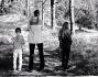 Clotilde Courau immersa nella natura con le figlie Vittoria e Luisa