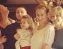 Eva Henger con tutta la sua famiglia allargata