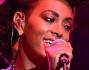 Solange Knowles canta la Glamour fashion show