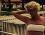 Bikini in forma questa volta per Flavia Vento a distanza di pochi giorni...