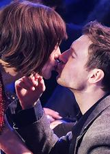 Gabriella Pession e Richard Flood, baci dietro le quinte di 'Notti sul ghiaccio': le foto