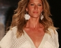 GISELE IN PASSERELLA ALLA SAO PAULO FASHION WEEK