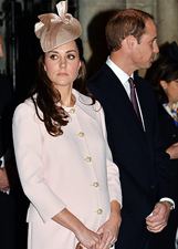 Kate Middleton in total pink a Londra: le foto