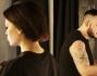Le Donatella alle prese con il make up artist