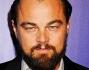 Leonardo DiCaprio all'evento di Laguna Beach in California ha sfoggiato un look casual con tanto di barba incolta che pare esser molto di moda ad Hollywood