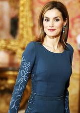 Letizia Ortiz bellissima in blu alla Pascua Militar: le foto