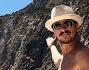 Luca Bizzarri in vacanza a Capo Teulada in Sardegna con la sua Ludovica Frasca