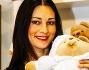 Manuela Arcuri ha fatto gli onori di casa della maison Nanan al Padiglione Centrale