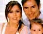 Marco Liorni con la compagna Giovanna, la figlia Emma e la piccola Viola