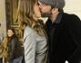 Passione alle stelle per Marina La Rosa e Guido Bellitti che regalano un bacio a sorpresa ai fotografi