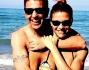 Martina Colombari in famiglia si gode il primo caldo quasi estivo in spiaggia