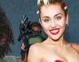 Miley Cyrus ha sfilato sul red carpet insieme a Tyler Ford