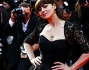 Monica Bellucci bellissima sul red carpet a Canne in abito interamente di pizzo nero e decolt� coordinate