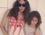 Nina Moric hippie style con il figli Carlos