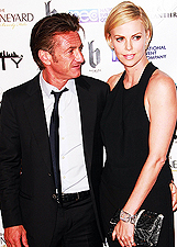 Primo red carpet da coppia per Charlize Theron e Sean Penn: foto