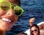 Gita in gommone per Alessia Reato e gli amici che si concedono in selfie a largo delle coste siciliane