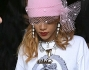 Rihanna esce 'soddisfatta' dal coffee shop insieme all'inseparabile amica Melissa Forde
