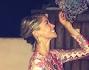 Elena Santarelli coglie l'uva al Can Dani di Formentera