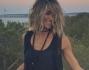 Elena Santarelli finalmente a Formentera: eccola con il suo look casual