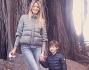 Elena Santarelli sotto una magnolia secolare insieme al figlio Giacomo