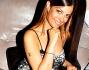 Posa sorridente per i fotografi Sara Tommasi al party per il suo compleanno