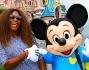 La campionessa di tennis Serena Williams a Disneyland con Topolino