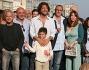 Maurizio Aiello con tutto il cast dello spot per rilanciare Napoli ed il suo bellissimo lungomare in vista dell\'estate