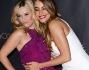 Sofia Vergara e Reese Witherspoon hanno posato sorridenti sul red carper