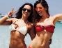 Mare, sole e amici per Aida Yespica nell'acqua cristallina delle Baleari