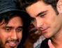Zac Efron durante un selfie con un fan