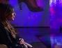Belen Rodriguez si tiene il pancione mentre parla con Daria Bignardi