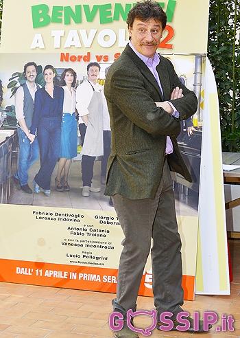 Giorgio tirabassi torna far ridere con 39 benvenuti a tavola 2 39 foto e gossip - Benvenuti a tavola cast ...