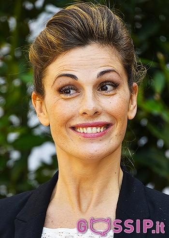 Vanessa incontrada entra nel cast della fiction di canale 5 foto e gossip - Benvenuti a tavola cast ...