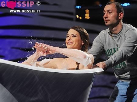 Cipriani Vasca Da Bagno.Pamela Camassa E Il Suo Sexy Bagno Foto E Gossip