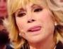 Carmen Russo non trattiene le lacrime al suo ingresso a Domenica Live